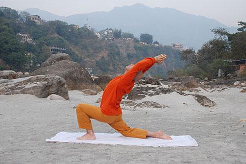 Mestre Sivaswarupa cursos yoga India 500