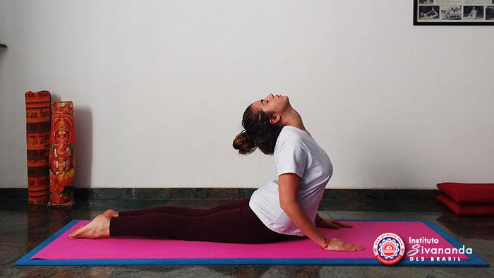 Yoga 12 Posturas Principais 7