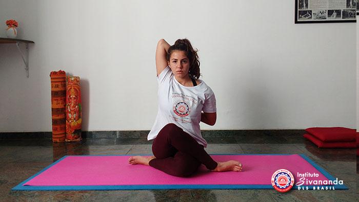 Yoga Posturas Principais-14