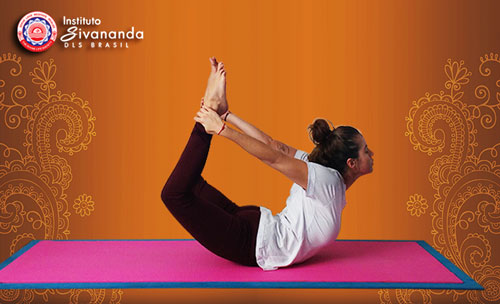 yoga-postura do arco dhanurasana